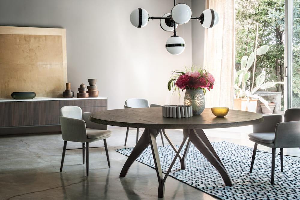 Sala da pranzo tavoli di design per tutti i gusti for Disposizione salotto sala pranzo