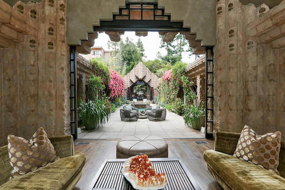 فيلا ساحرة في لوس انجلوس من تصميم المعماري lloyd wright 879700.jpg