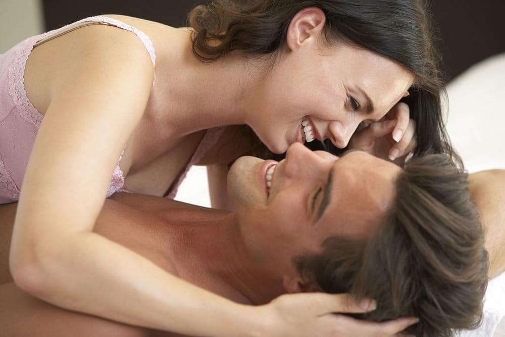 طرق اثارة الزوج لحد الجنون بالكلام