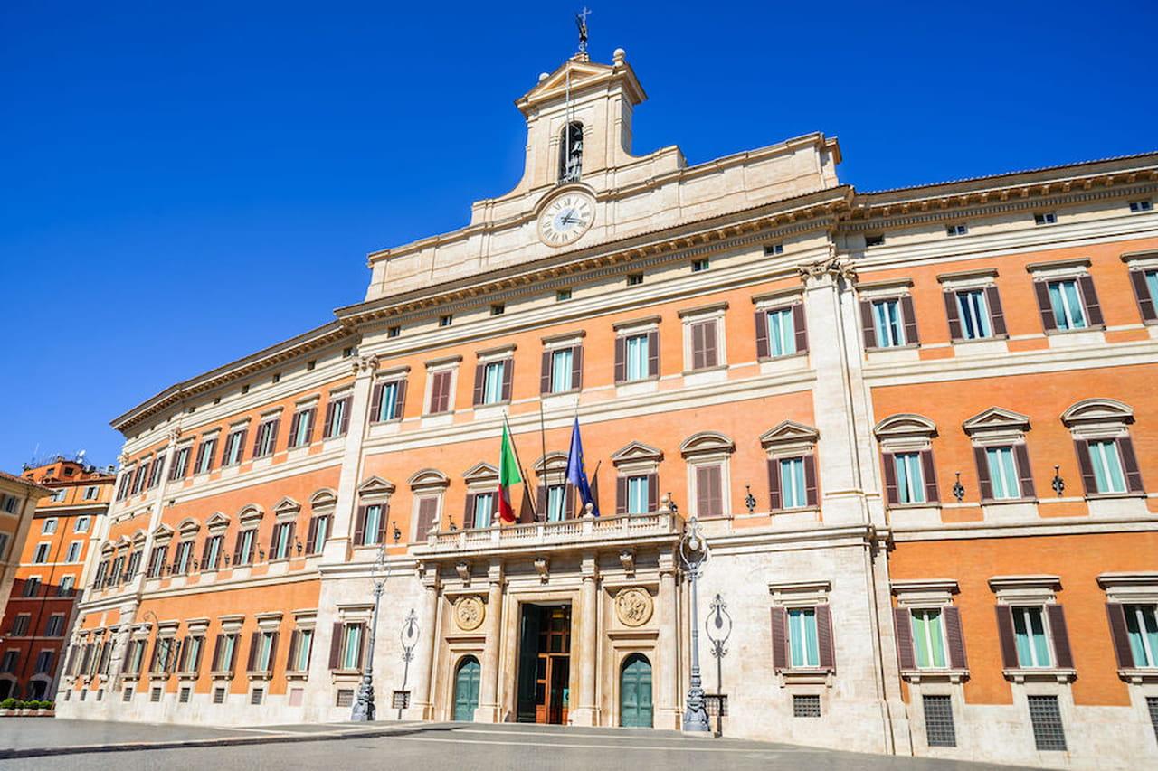 Lo stato italiano spiegato ai bambini for Roma parlamento
