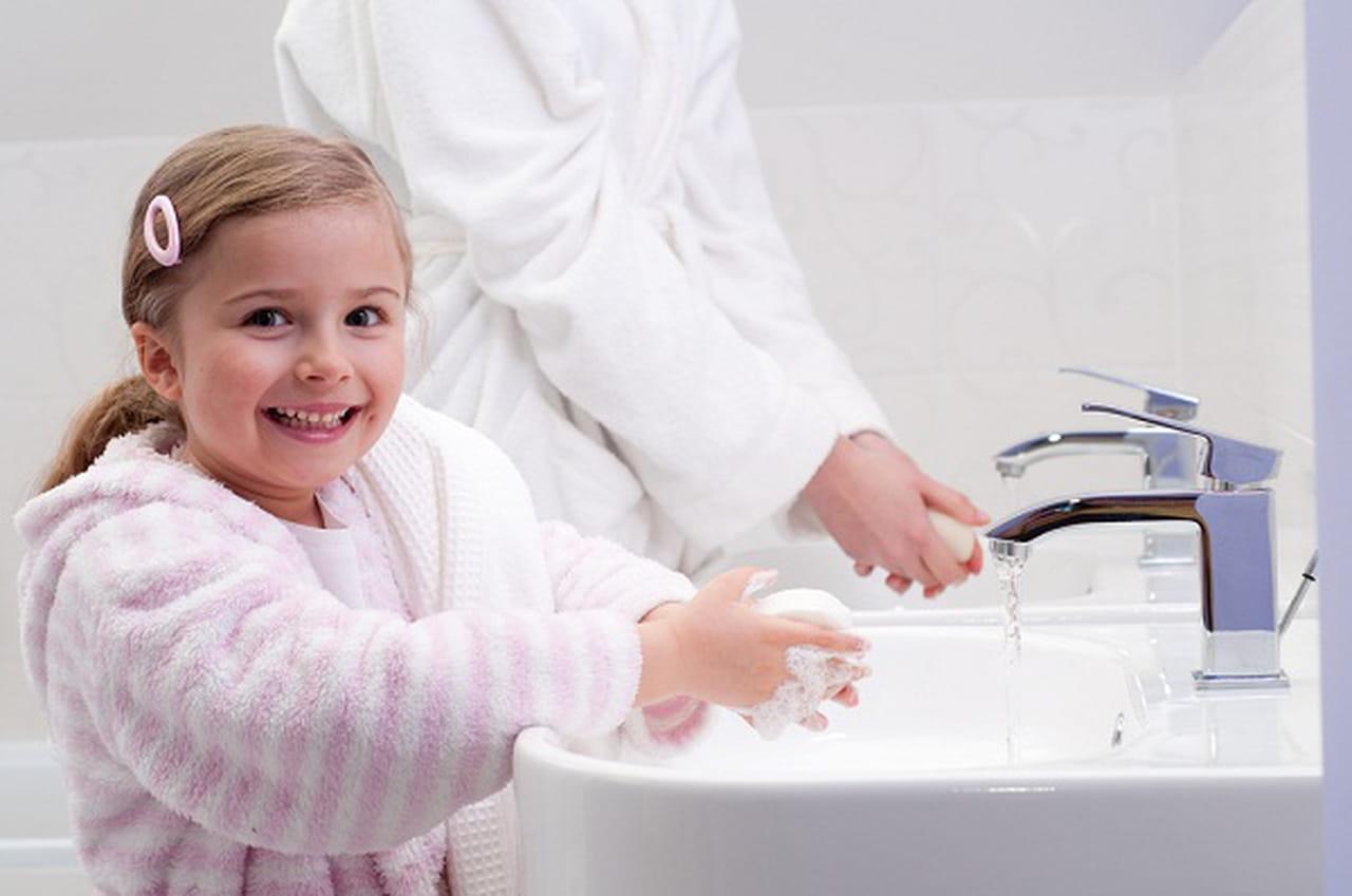 نتيجة بحث الصور عن غسل اليدين طفلك