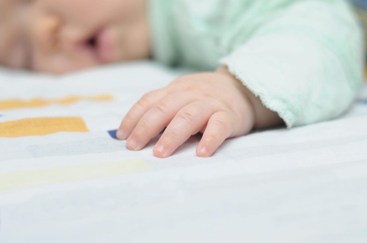 فوائد نوم الطفل على بطنه 814182