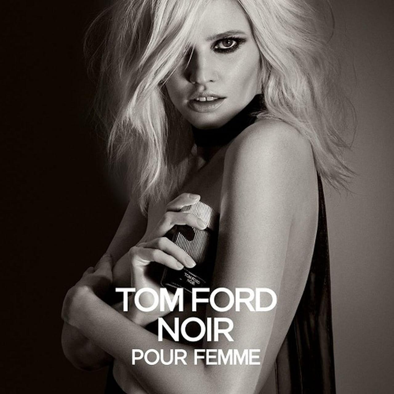 545e76672 والوجه الإعلاني الجديد للعطر هي العارضة Lara Stone، التي قدمت من قبل بعض  الحملات الدعائية لعطور توم فورد.