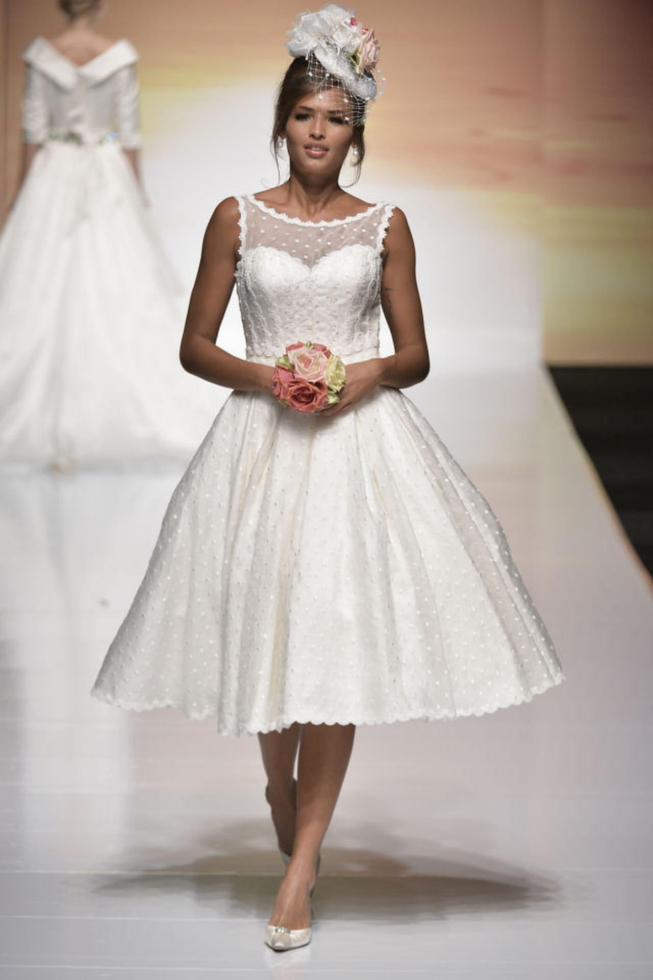 8f0673d3f19f Cool italia dress  Abiti da sposa corti con cappello