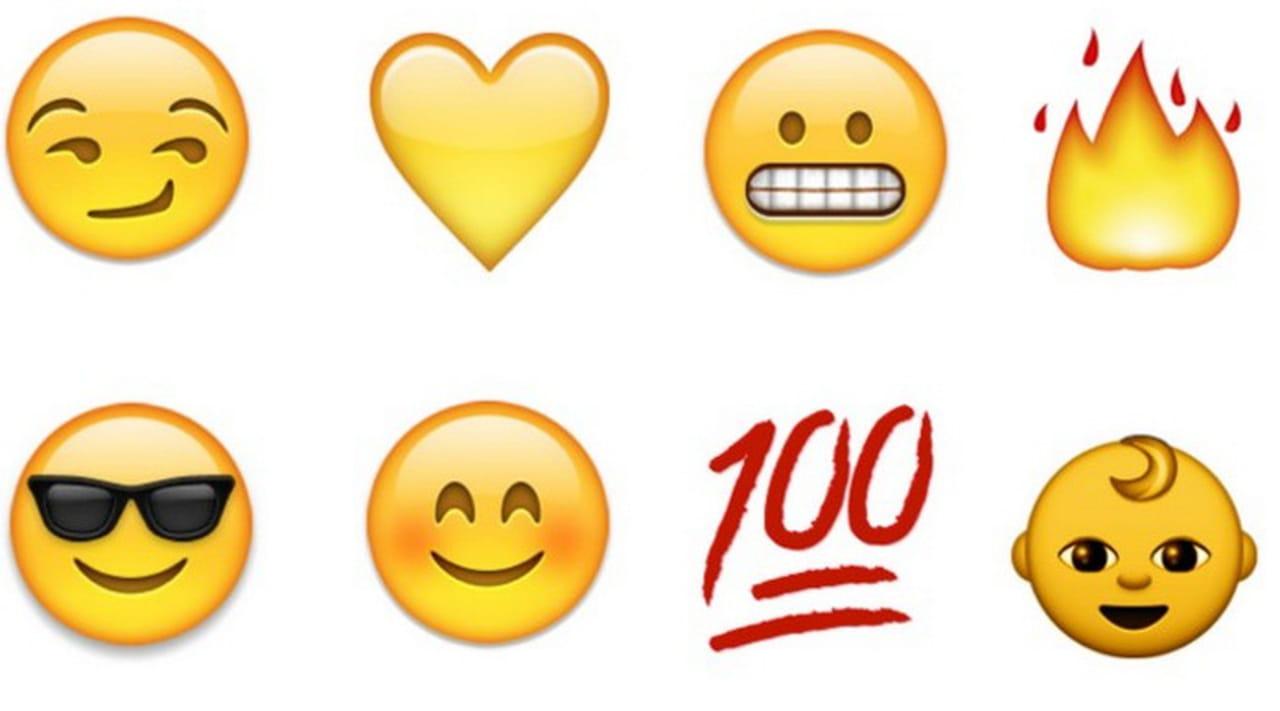 Les emojis de la liste d'amis. Sur Snapchat, à droite des pseudos de vos amis, vous pouvez apercevoir des emojis (cœur jaune, rouge ou double-cœur rose, emoji avec les joues rouges etc.).