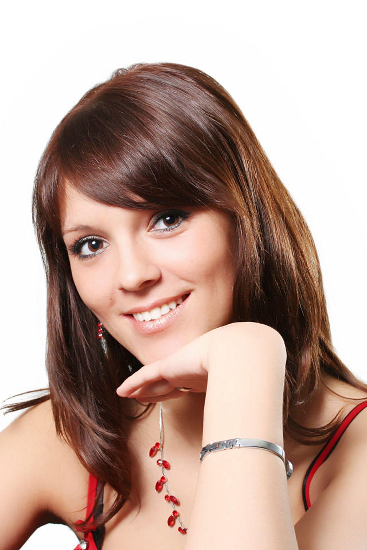 Taglio capelli viso lungo e fronte bassa