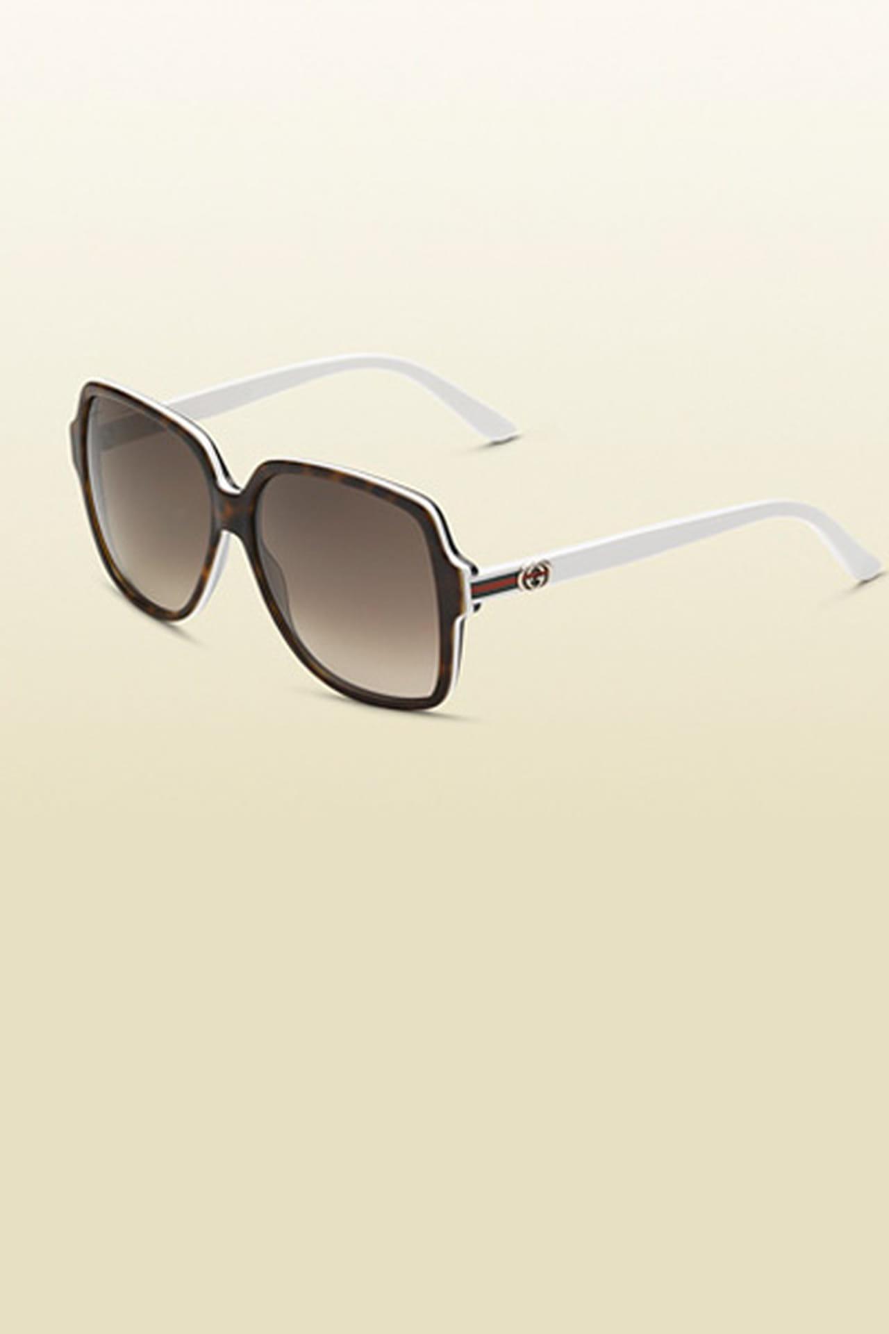 ca0fec452 نظارة شمسية كبيرة على شكل مربع من Gucci. من مجموعة Gucci لربيع وصيف 2013