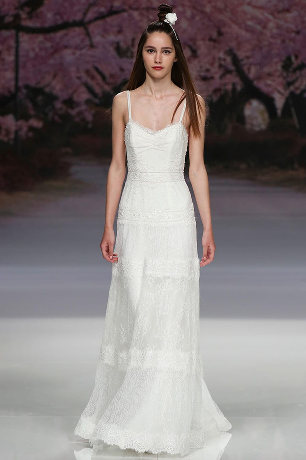 Vestido de noiva simples de alcinha