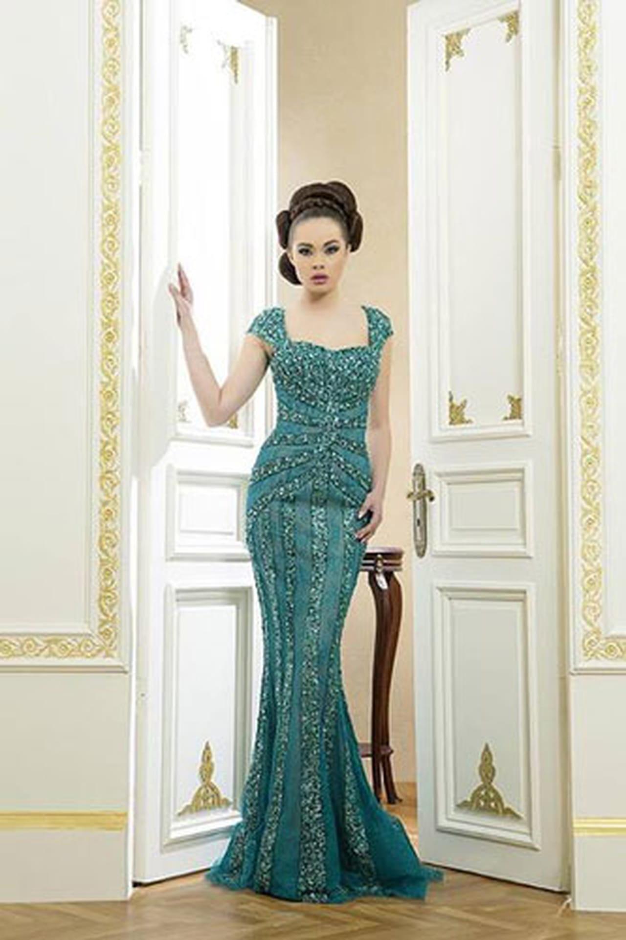 مروارید کار شده روی آستین مانتو Ali Al Khechen Haute Couture весна-лето 2014