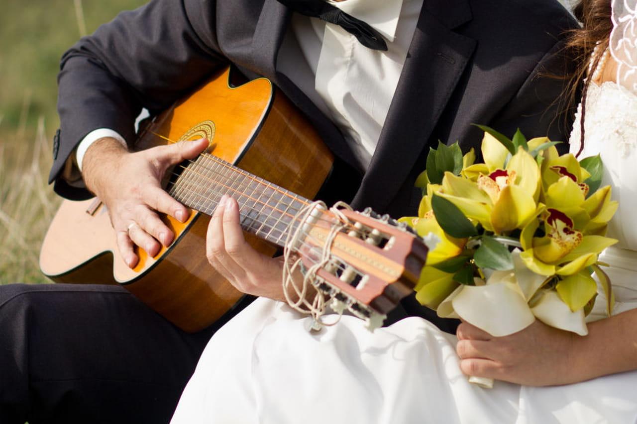Pranzo Nuziale Chi Paga : Vico pranzo di nozze ma non pagano il conto cronaca la