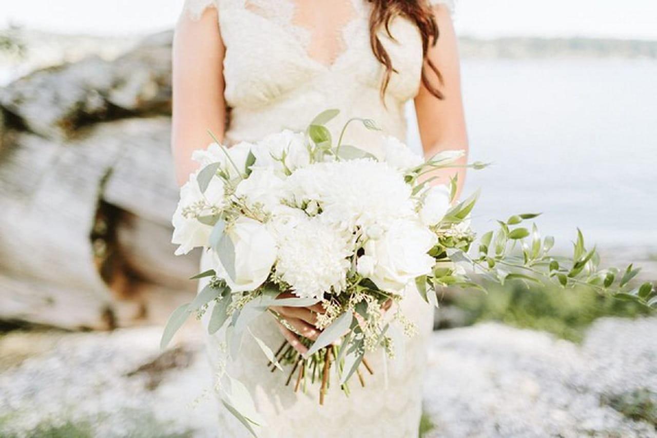 عروستنا*أفكار لباقات زهور لعروس