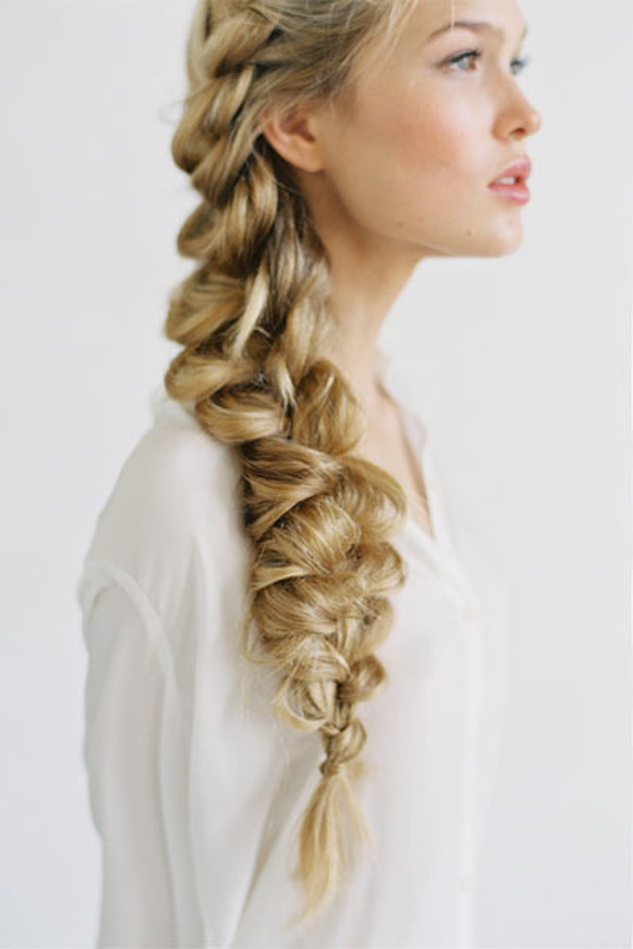 Коса на бок на длинные волосы