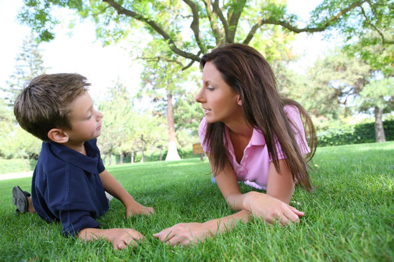 Фото разговора мамы и ребенка