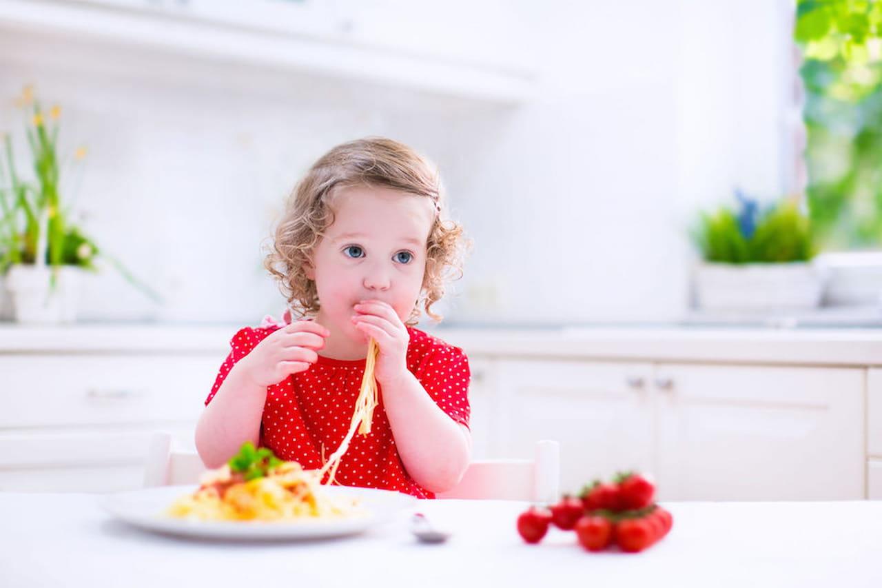 la frittata di pasta cena per bambini degli avanzi