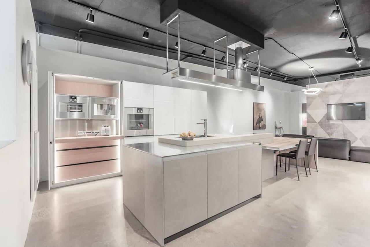 Cucine contemporanee con isola hi tech eco tech - Cucine high tech ...
