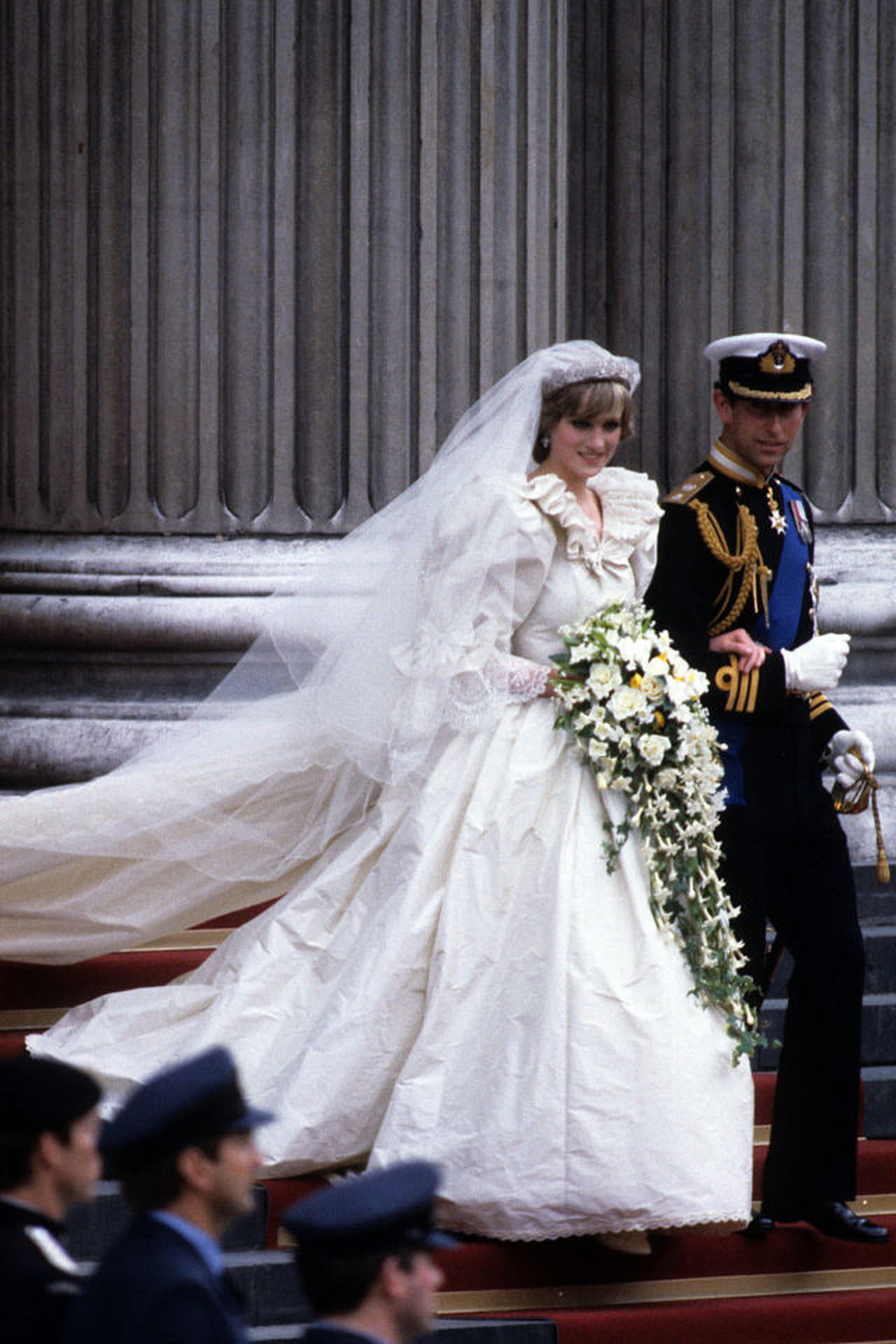 Popolare Abiti da sposa da principessa: i vestiti reali HZ15