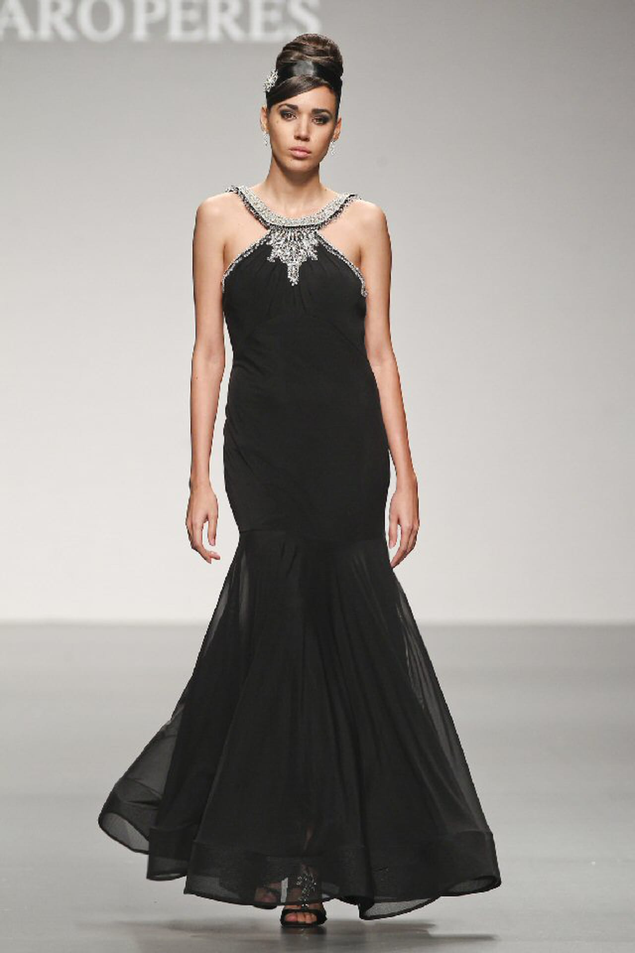 Vestito Matrimonio Uomo Giallo : Abito nero al matrimonio di sera i vestiti sono popolari