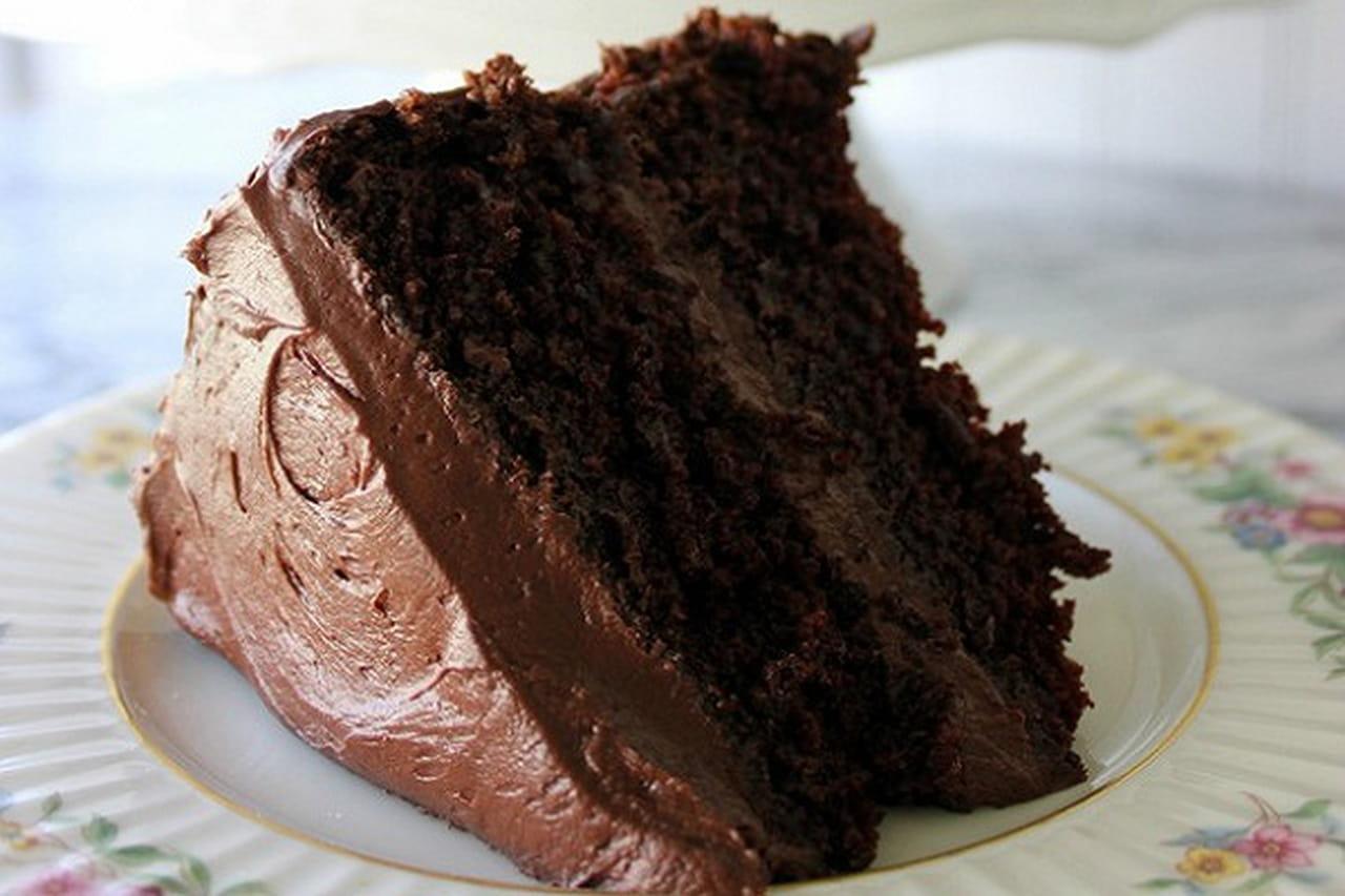 طريقة عمل كيكة الشوكولاته بدون فرن  859611