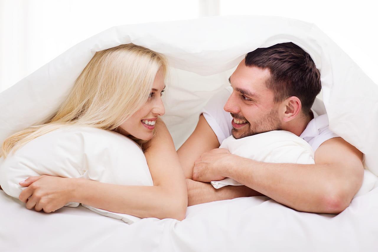 4c8a103b2 البعض لا يعلم شيئًا عن الثقافة الجنسية و بالتالي لا يعرف أنه يوجد العديد من  وضعيات الجماع الممتعة التي تكسر الروتين والفتور الجنسي بين الطرفين.