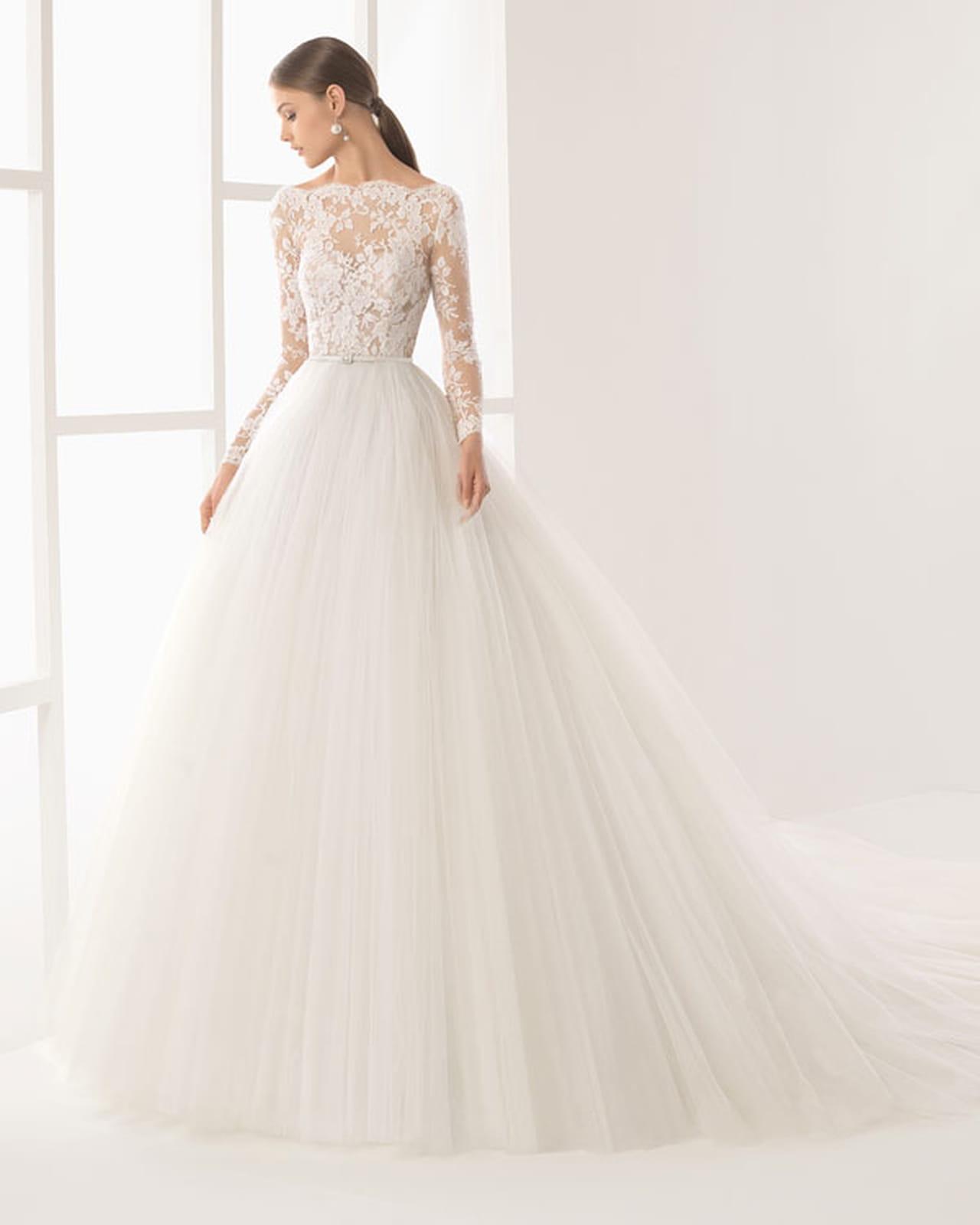 eb3b8bc8a موديلات فساتين زفاف بأكمام طويلة لعروس 2017