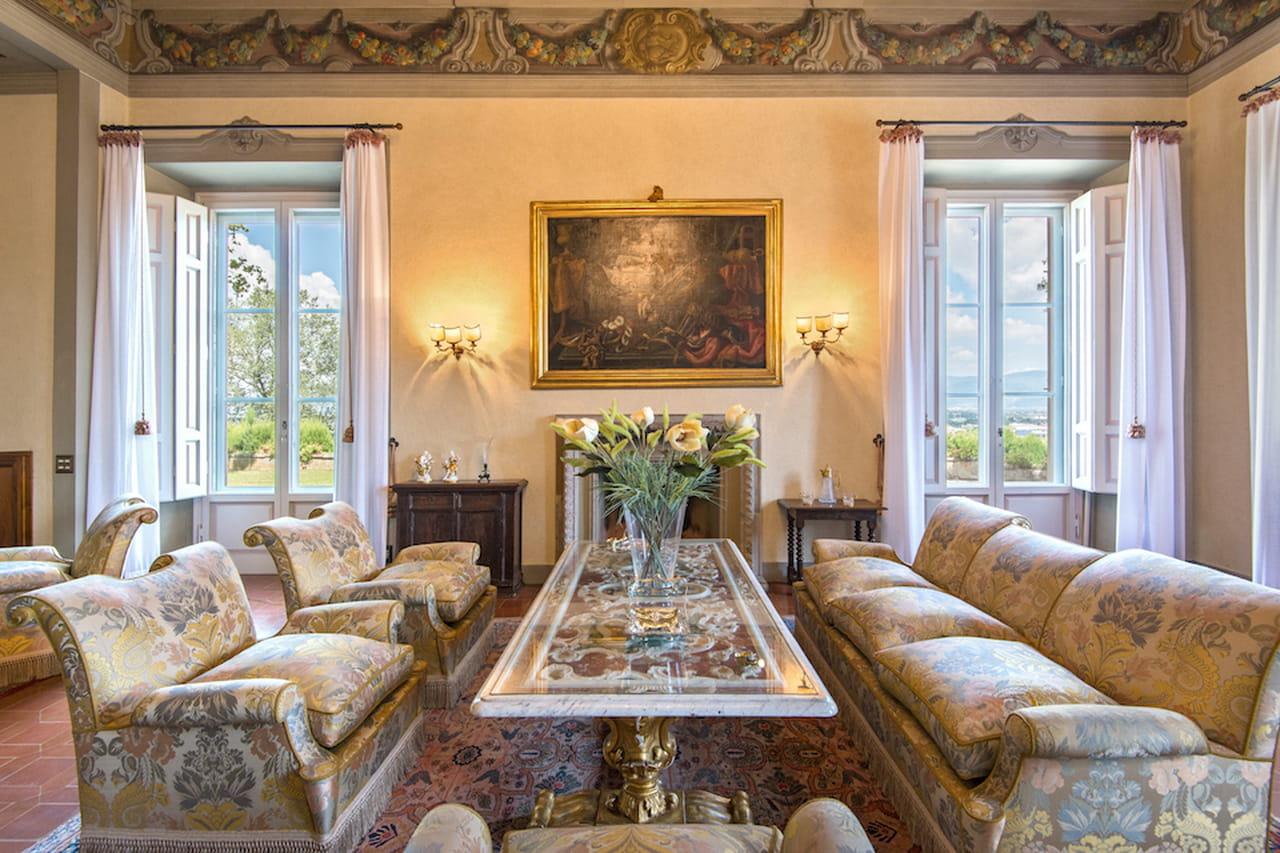 Case di lusso da venezia a capri passando per il lago di como for Casa malaparte interni