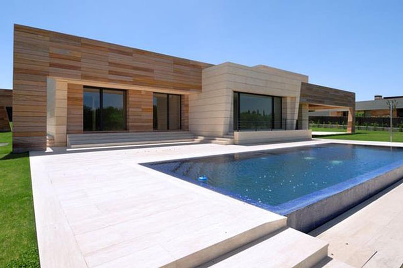 منزل نجم ريال مدريد كريستيانو رونالدو والفخامة بلمسة أسبانية 826062.jpg