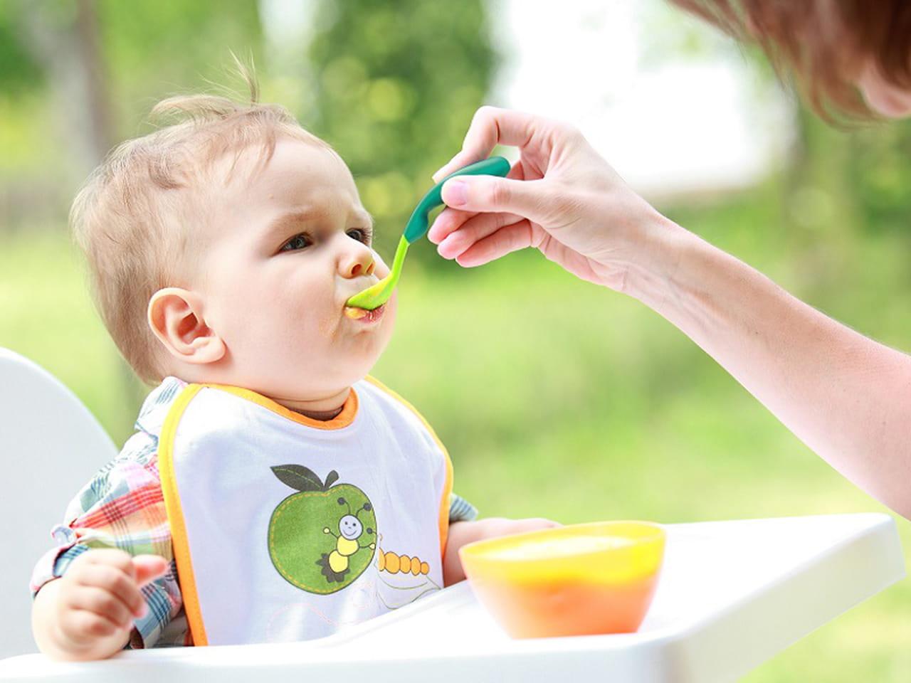 5 أطعمة مفيدة للطفل فى الشهر الخامس