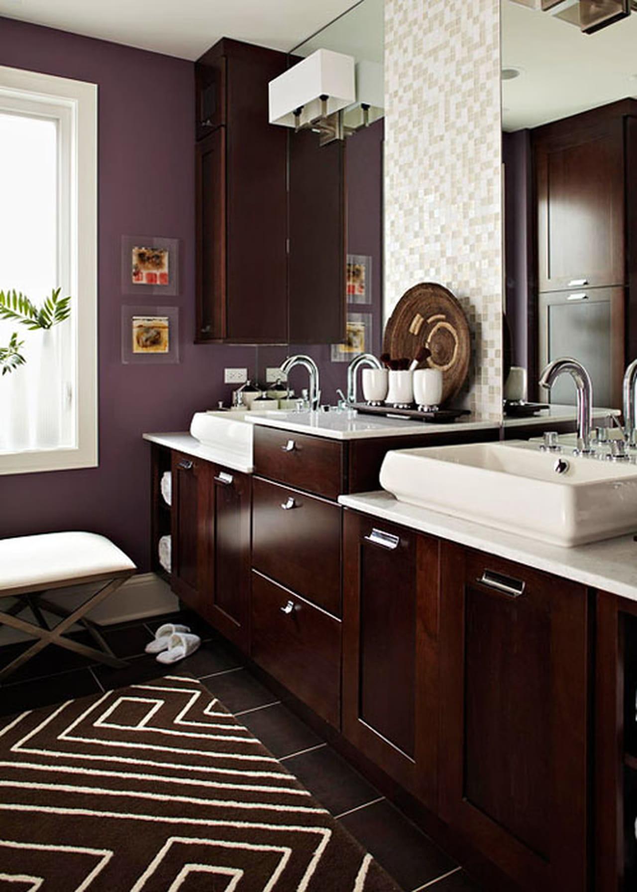 Elegant Beige Taupe And Cream Colored Bathroom Tile: أفكار جذابة لتنسيق الألوان في ديكور الحمام