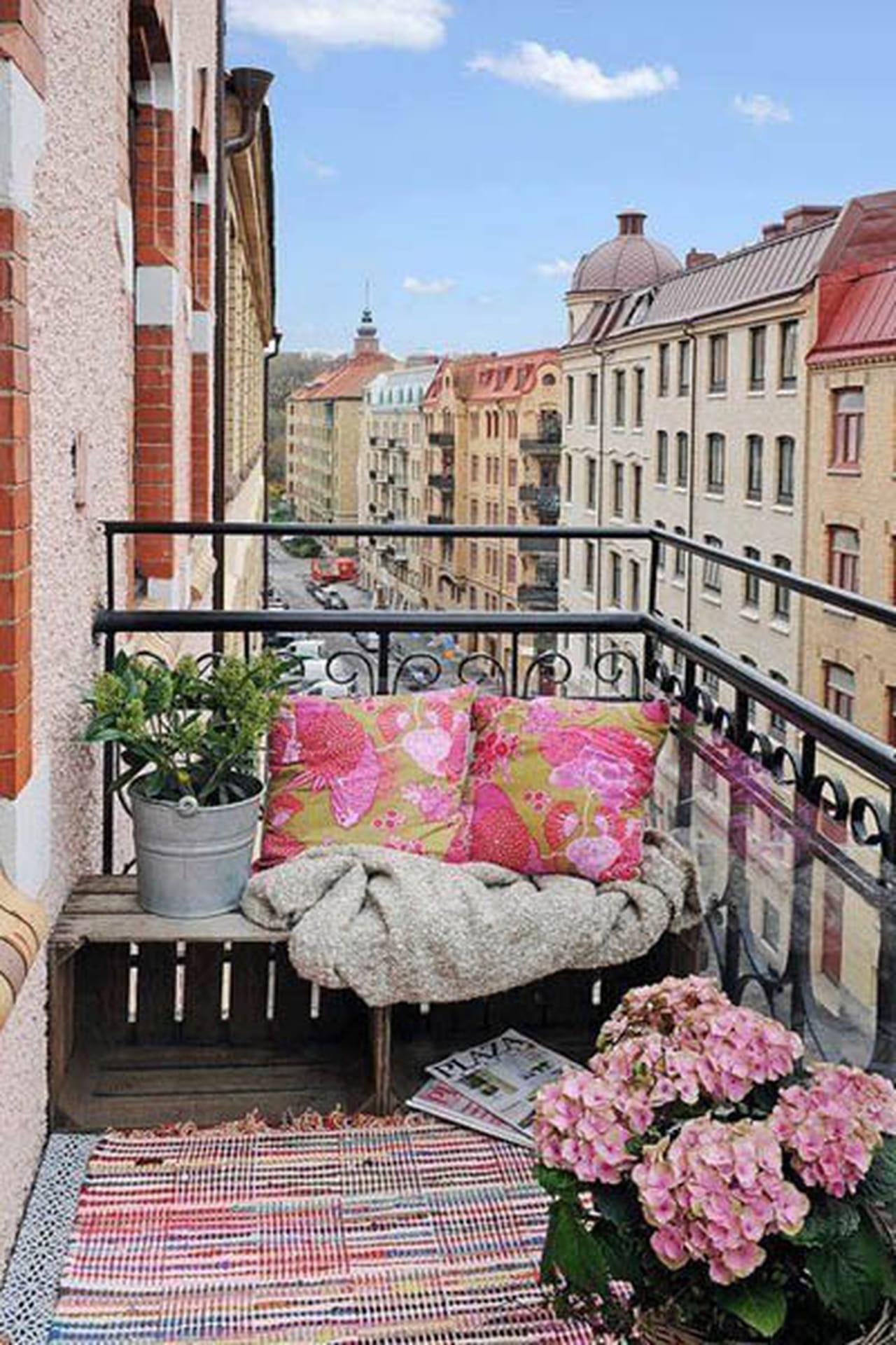50 уютных балконов, на которых хочется поселиться.