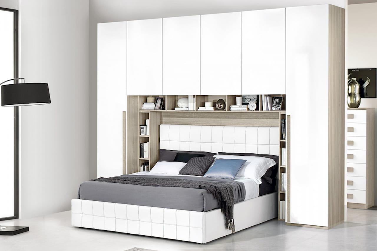 Armadio a ponte camere da letto spaziose e organizzate for Camera da letto a ponte ikea