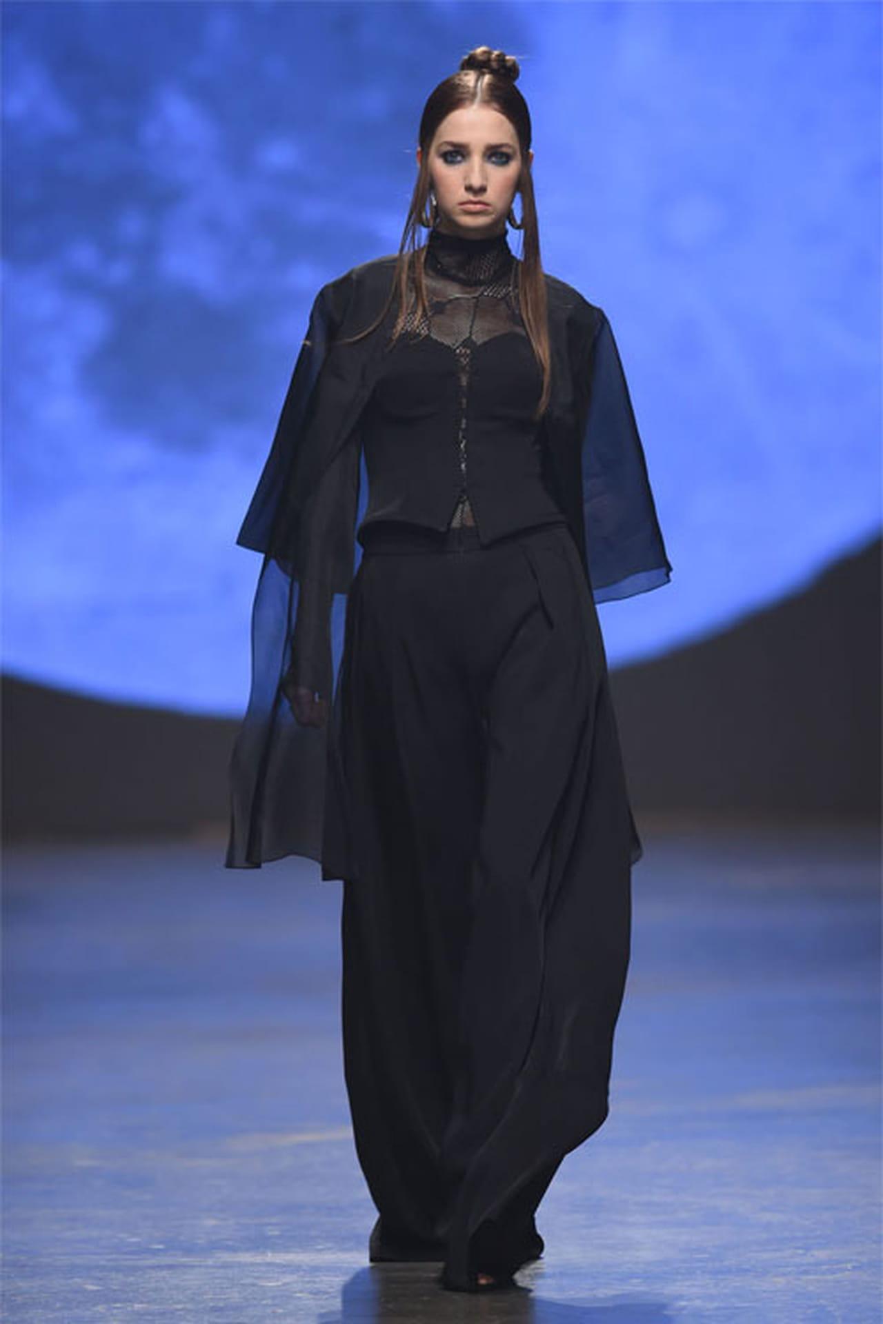 أجمل أزياء داني تابت في فاشون فورورد 2016