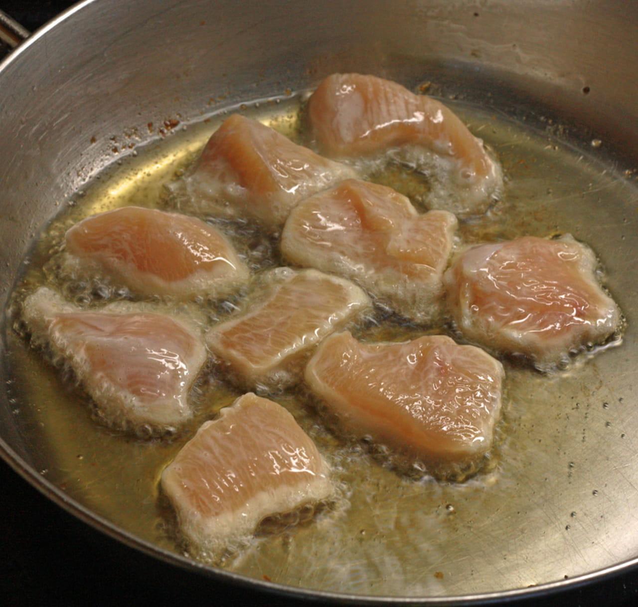 طريقة عمل الدجاج بصلصة البرتقال والفلفل الحار 867739.jpg