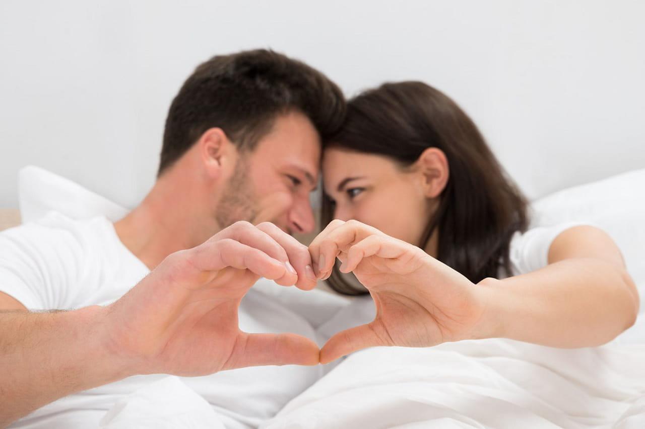 1f3b1d285880f كيف تجذبين زوجكِ مرة أخرى للعلاقة الحميمة بعد غياب؟