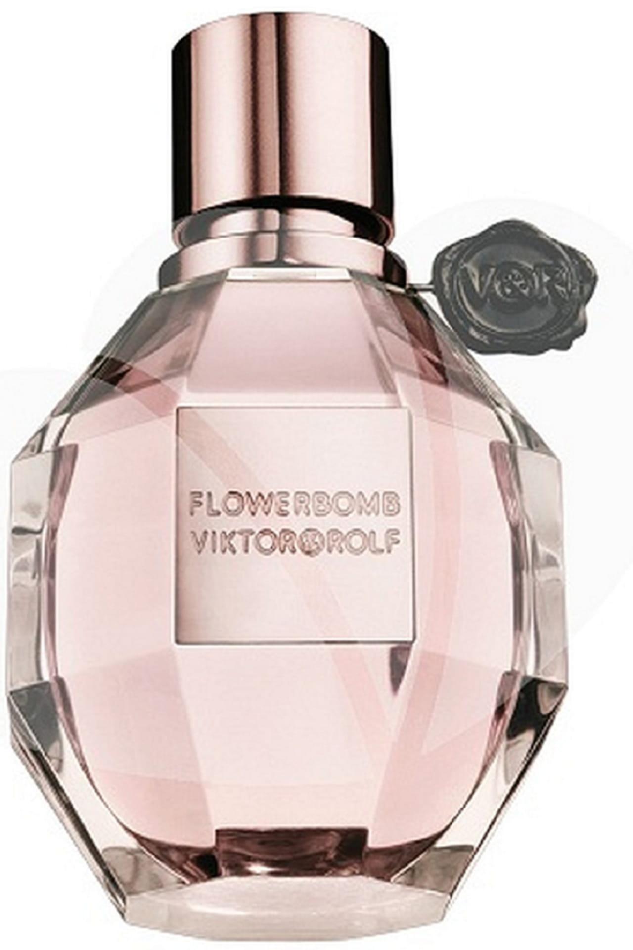 5969a5bd8 عطر Viktor & Rolf Flowerbomb من أكثر العطور النسائية مبيعاً على مستوى  العالم. هذا العطر يفوح بروائح الأزهار، فهو مزيج غني من بتلات أزهار  الفريزيا، الياسمين، ...