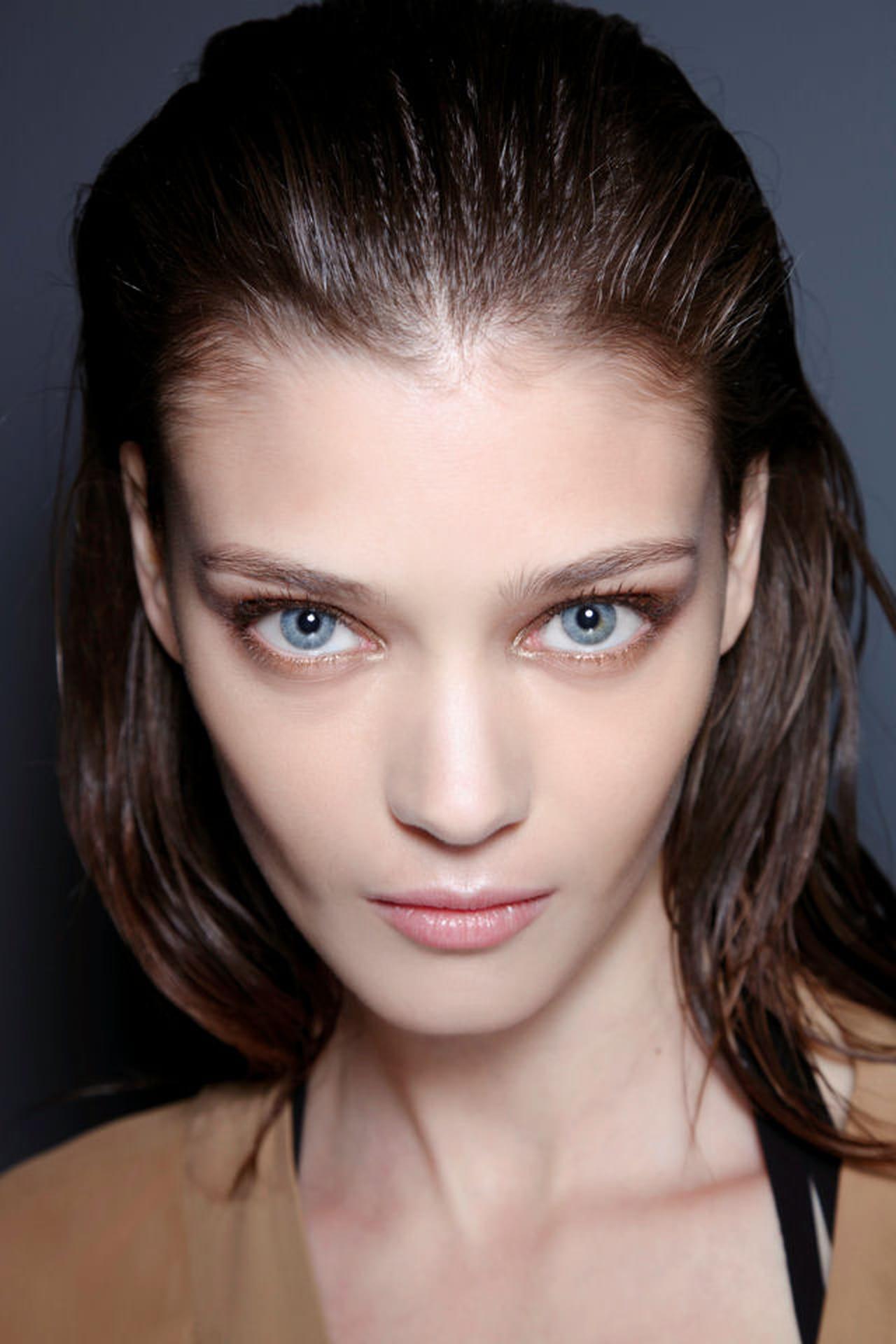 Capelli effetto bagnato: 10 prodotti per un hairstyle di tendenza
