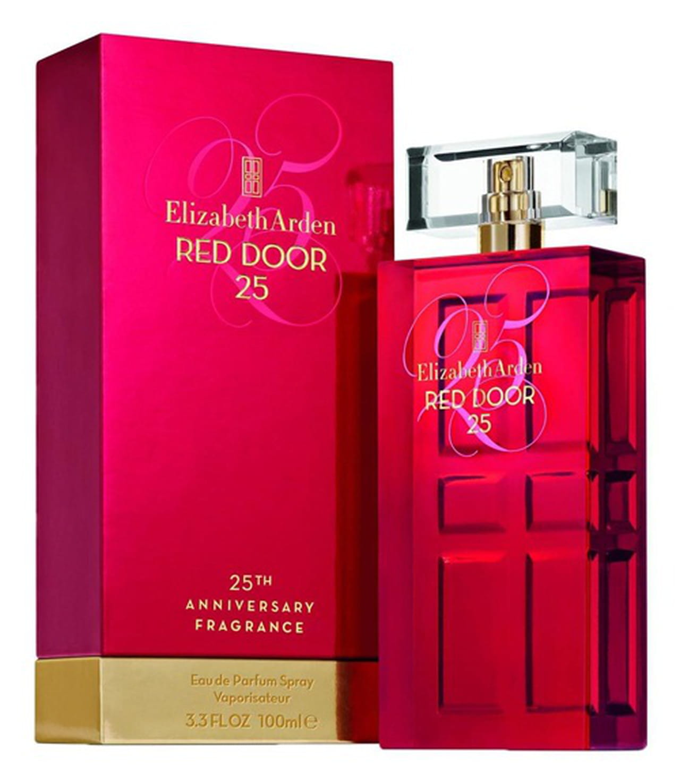 31d57b75e Elizabeth Arden Red Door 25 Eau de Parfum في الذكرى الخامسة والعشرين للعطر  الأصلي