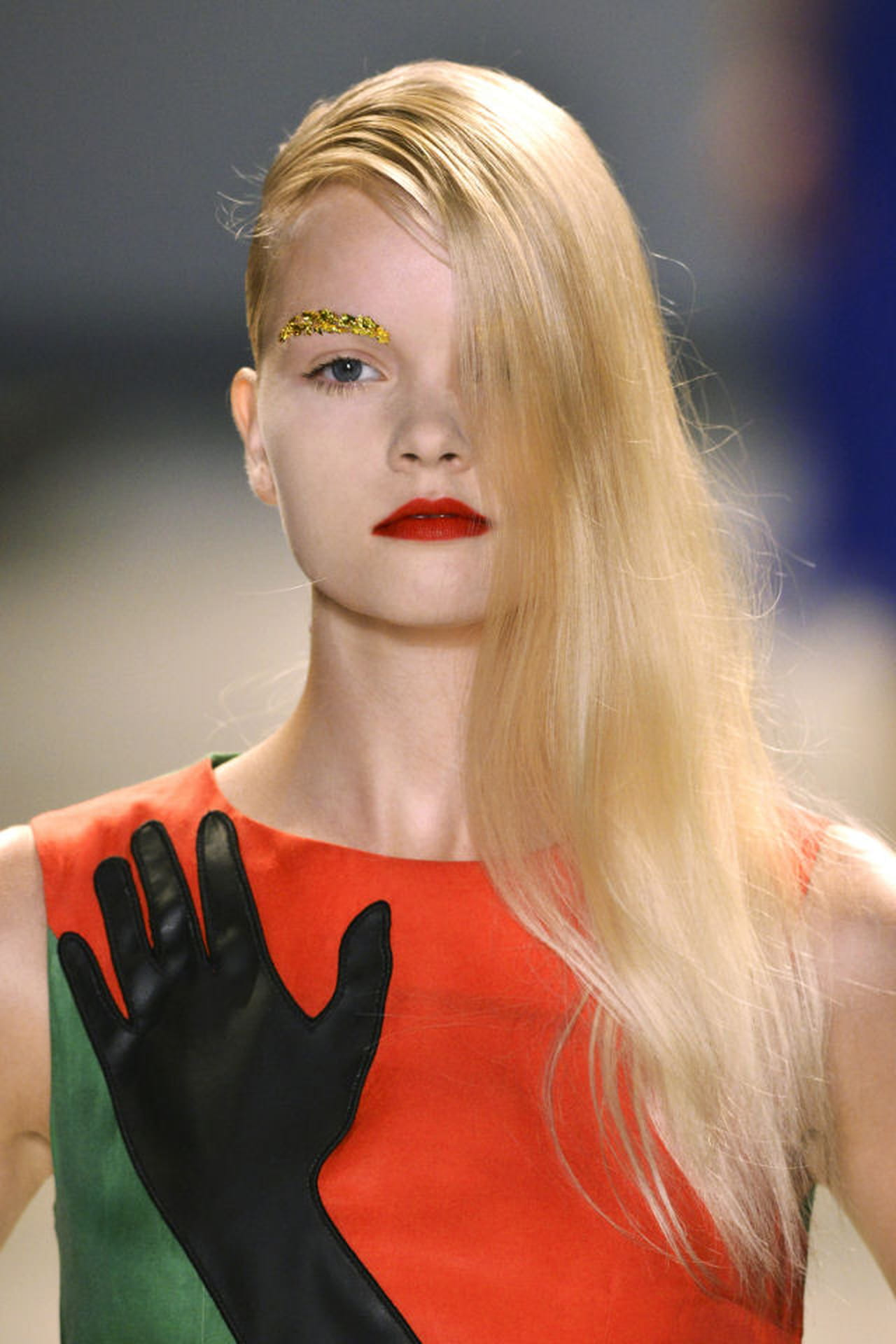 Super Tagli capelli lunghi: le acconciature di tendenza DE09