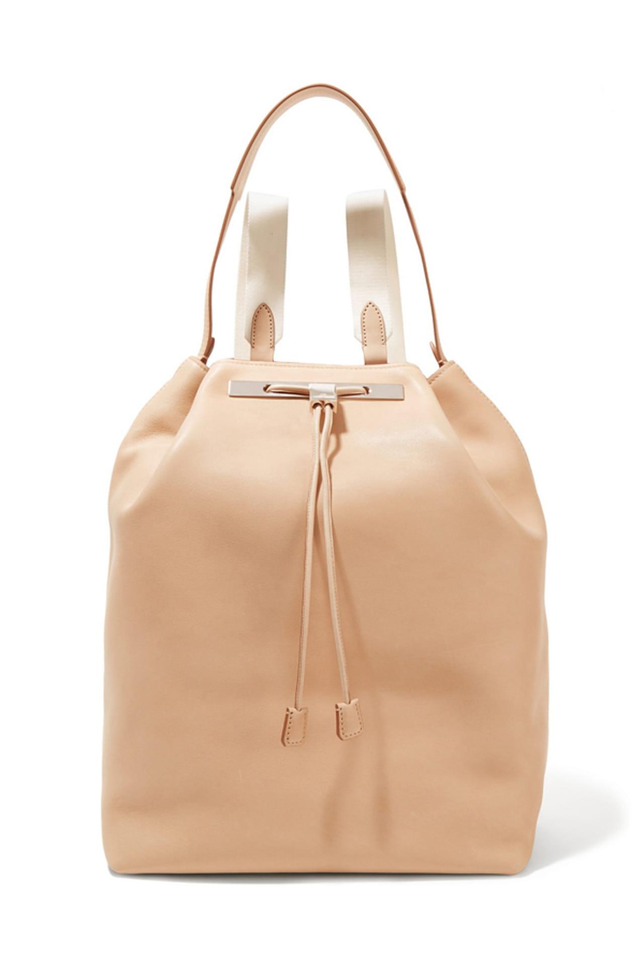 شنط الـ Backpack موضة الصيف 1199110.jpg