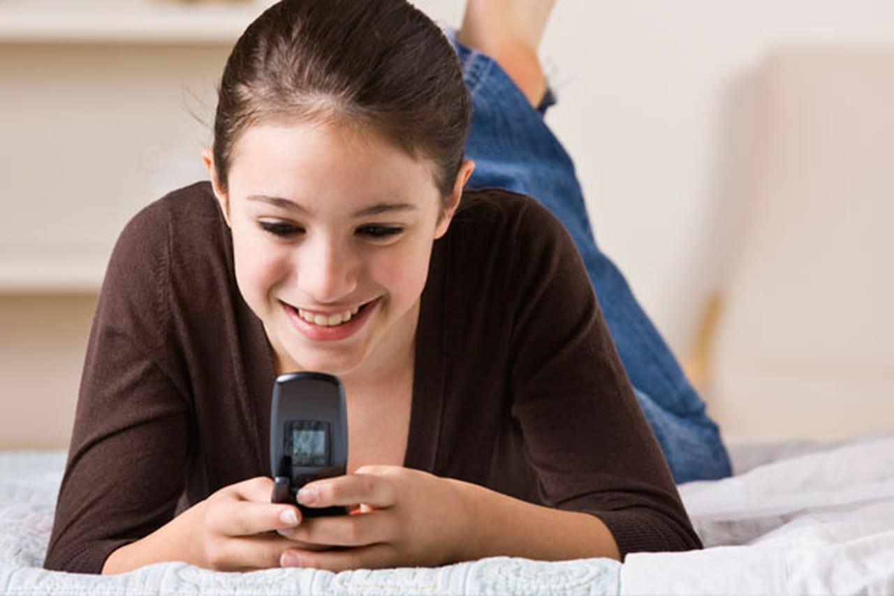 be68db844 منذ تيسر حصولهم على هواتفٍ ذكية و استخدامهم لها دون رقابةٍ فعليةٍ او تقنين،  بات ابناؤنا و بناتنا يشاركون في وسائل التواصل الإجتماعية بشكلٍ يوميٍّ و على  مدار ...