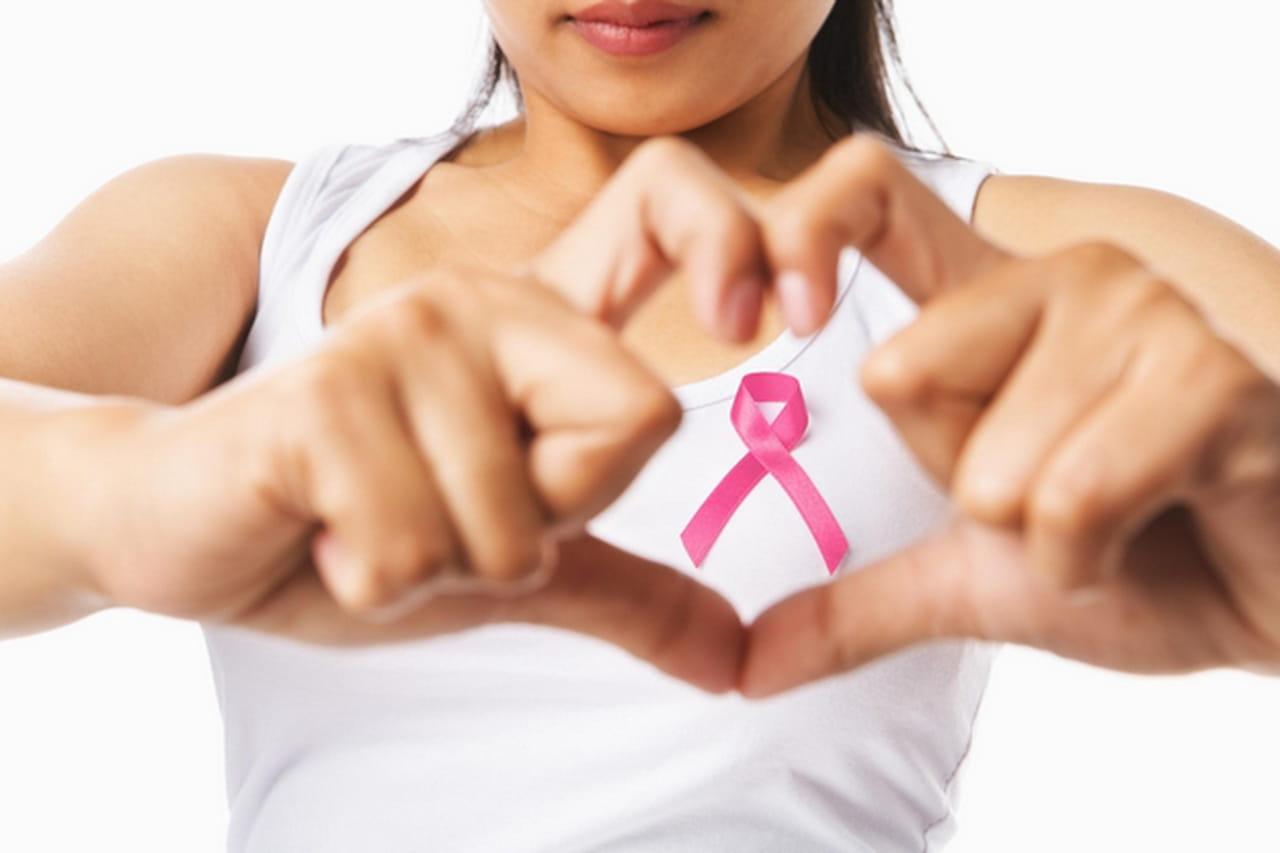 dc7879c82 في الآونة الأخيرة، كثرت تخوفات النساء من الإصابة بسرطان الثدي،خصوصاً لما  لهذا المرض من عواقب وخيمة على المرأة وأسرتها على حد سواء.