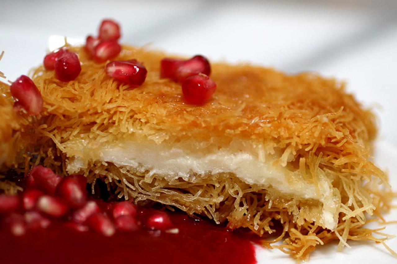 طريقه عمل الكنافة بالجبن الكيرى ودبس الرمان