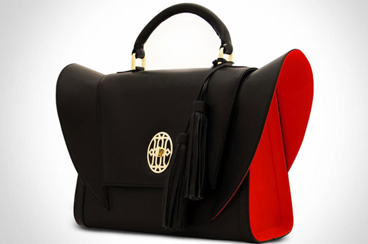 b44196d2a2889 حقائب هنا دبي الإماراتية بتوقيع المصممة هنا المطروشي وتصميم يجمع بين الرقي  والعصرية.