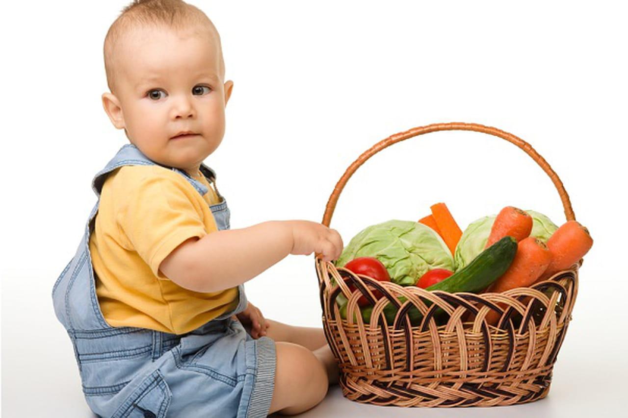 تعرفي على أهم الفيتامينات التي يحتاجها طفلك، ومصادرها الطبيعية  838762