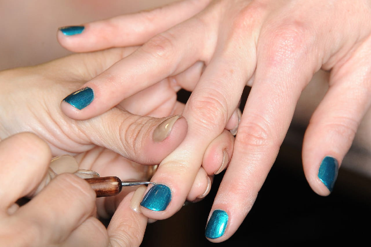 Unghie Gel Blu Le Tonalita Tendenza Dell Estate