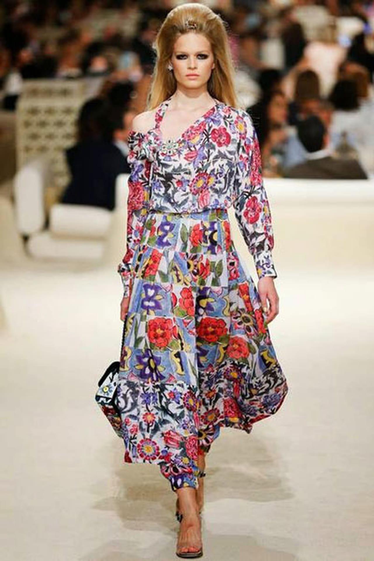 ffd9a838900b4 تصاميم ساحرة للعطلات وتشكيلة ازياء شانيل Chanel كروز 2015.