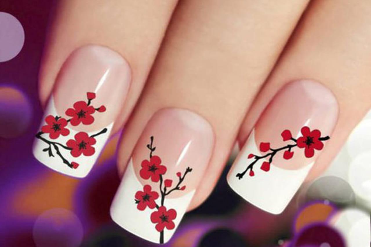 unhas decoradas Flores vermelhos