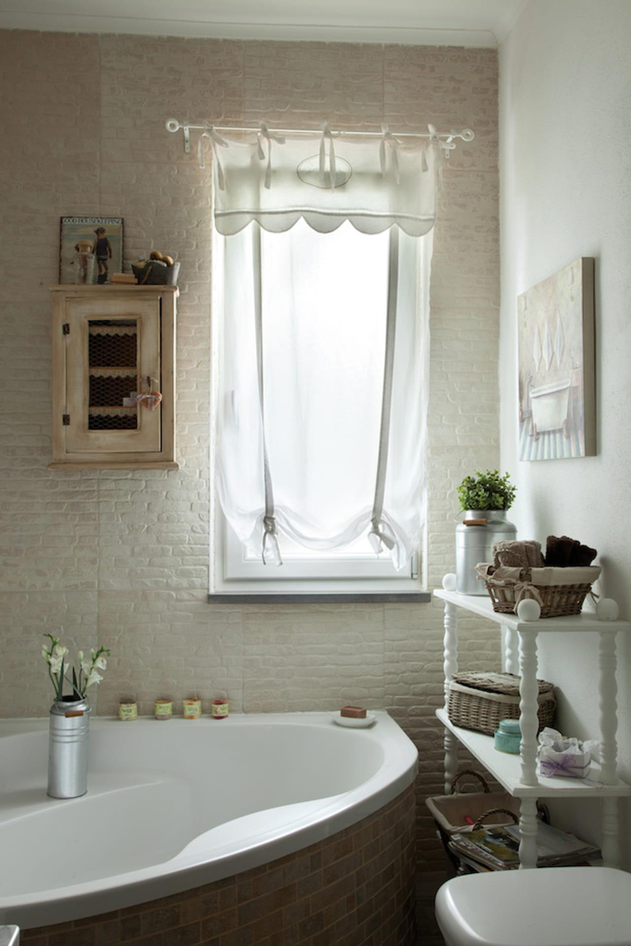 Stile provenzale naturale e chic - Bagno stile provenzale ...