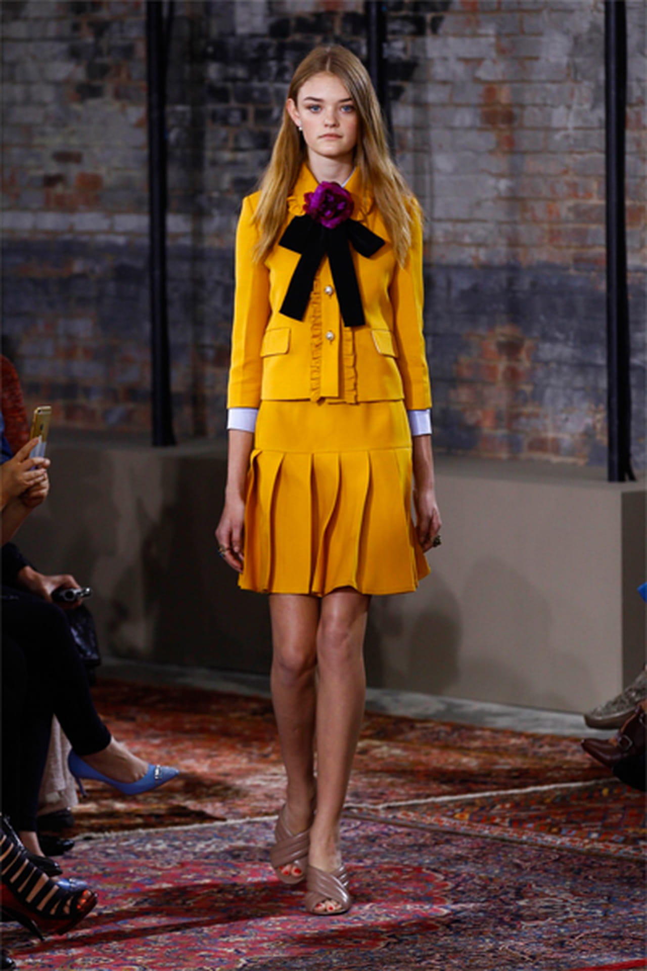 6eeb357b3 أجدد أزياء غوتشي Gucci من مجموعة ريزورت 2016