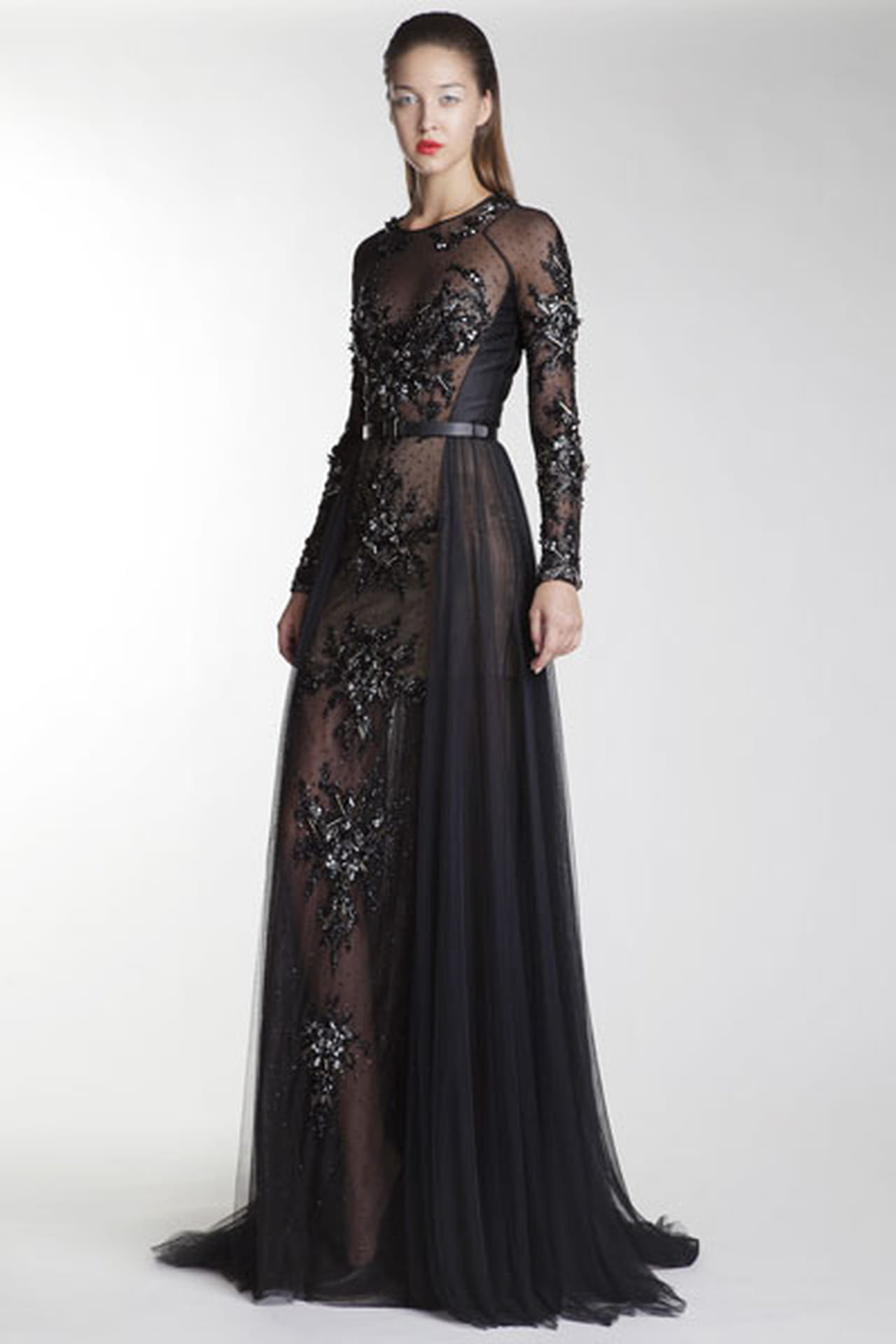 2987570f0 فستان أسود بأكمام ذو تطريزات براقة من باسل سودا Basil Soda.
