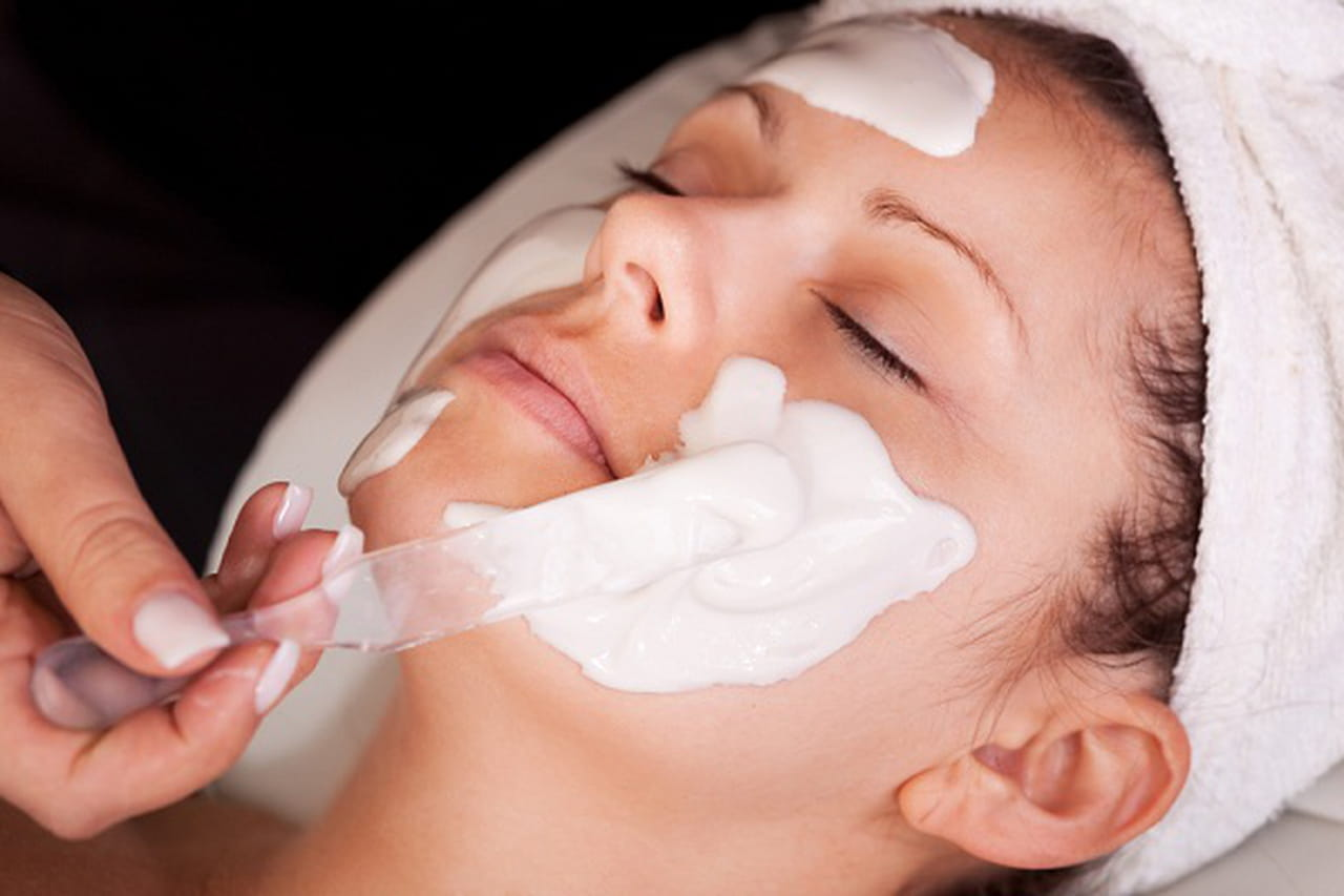 3bf086777 خلطات فعّالة لشد البشرة والتخلص من التجاعيد بعيدًا عن جراحات التجميل